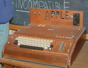 Apple I (CC BY-SA 2.0 - rebelpilot)