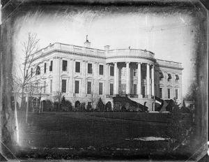 Voor zover bekend de oudste foto van het Witte Huis. Foto is in 1864 gemaakt door John Plumbe