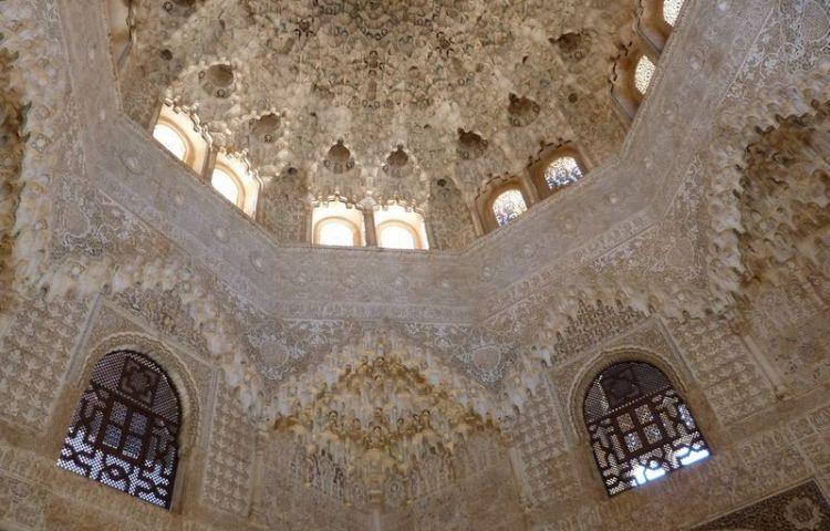 Plafond in het Alhambra - Foto: CC