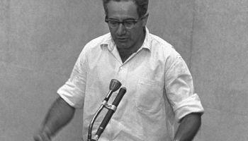 Israel Gutman tijdens het proces tegen Adolf Eichmann (Publiek Domein - wiki)