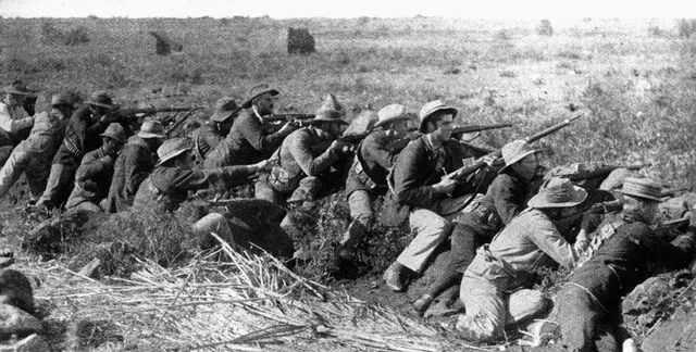 Boeren in dekking bij Mafeking in 1899 (Wiki)