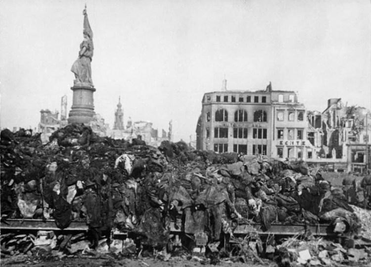 Slachtoffers van het bombardement in Dresden