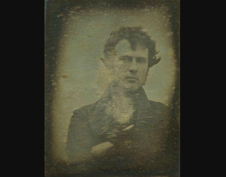 De eerste 'selfie' ooit gemaakt (1839)