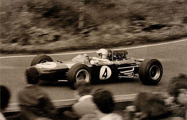 Jack Brabham op de Nürburgring, 1965