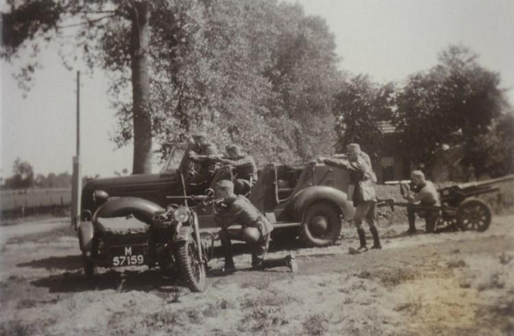 Pantserafweergeschut met Ford-trekker (foto: zuidfront-holland1940)