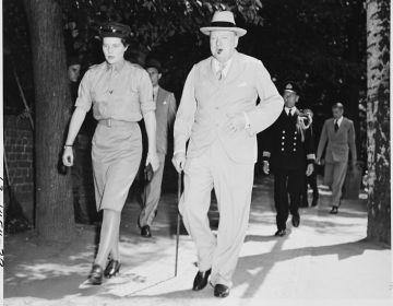 Mary en Winston Churchill in Potsdam, 1945 (National Archives)