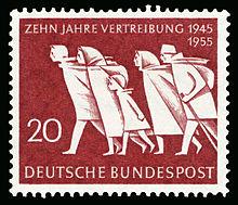 De Duitse posterijen herdachten in 1955 tien jaar 'Vertreibung' met een postzegel.