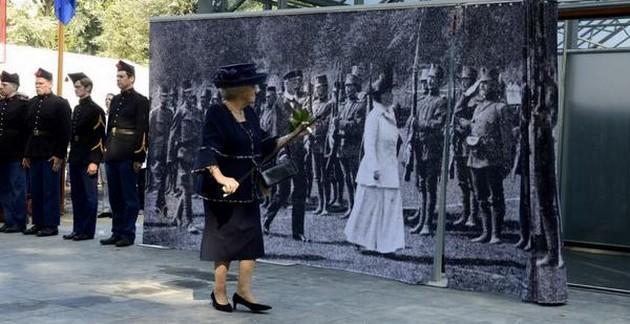 Prinses Beatrix opent het WOI-paviljoen (Huis Doorn)