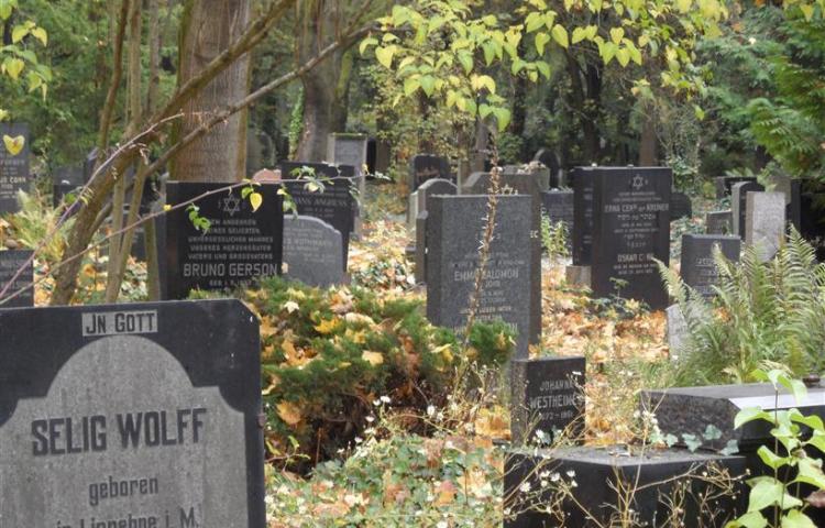 Joodse begraafplaats Weissensee (Foto: Coen Prenger)