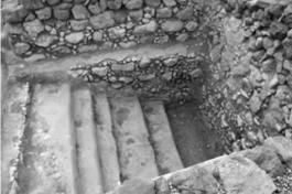 Waterbassin in Qumran. Aanvankelijk geïnterpreteerd als ritueel bad, maar intussen veronderstelt men dat er pottenbakkersklei in gezuiverd werd.
