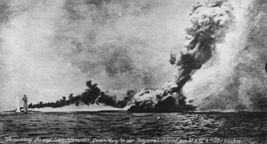 HMS Queen Mary explodeert op 31 mei 1916, tijdens de Slag bij Jutland