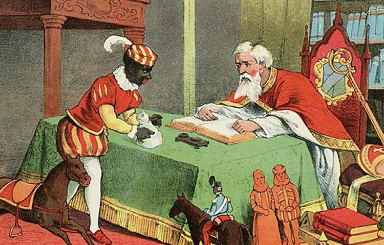 Op deze afbeelding uit 1905 ziet Zwarte Piet er herkenbaar uit als Zwarte Piet, inclusief pietenpak en witte kraag. Maar hij heeft geen baret, maar een plat hoofddeksel, waar dan wel een veer op zit. Zijn lippen zijn rood, maar niet groot, en de gouden oorringen zijn nergens te bekennen. St. Nikolaas en zijn knecht, Jan Schenkman, J. Vlieger, Amsterdam (1905)