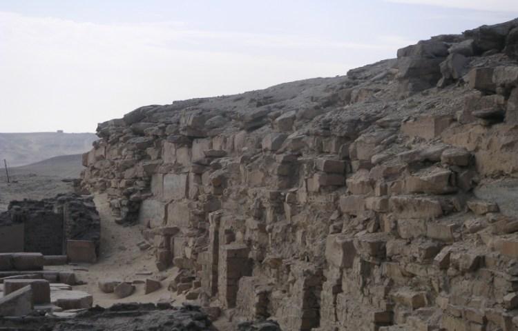 Piramide van Neferefre - cc