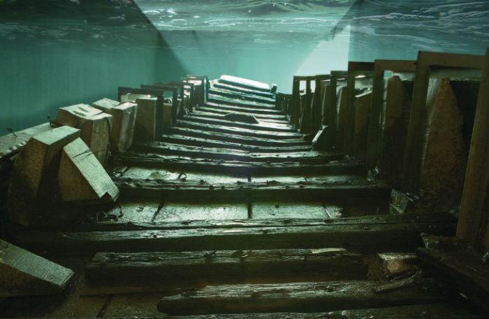 De Meern 1 in het conserveringsbassin (RCE)