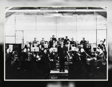 Heinz Neuberg met het kamporkest in Westerbork