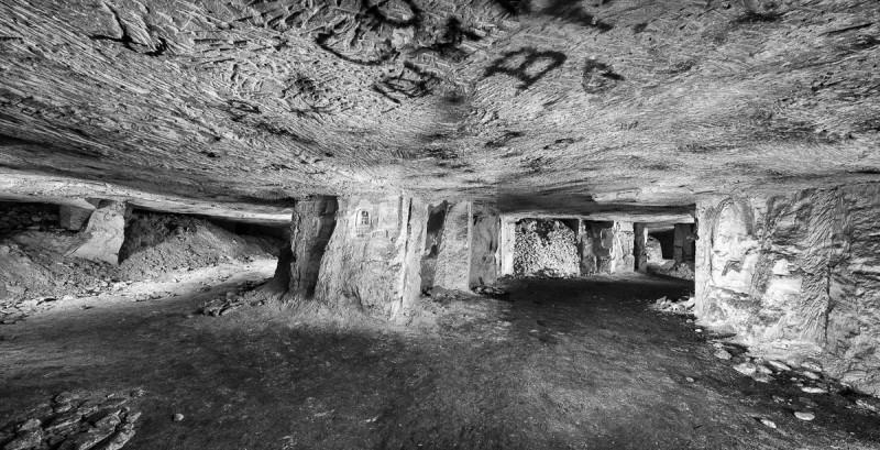 Een grot ergens in de Franse regio Picardië waarin tijdens de Eerste Wereldoorlog troepen gelegerd waren. © Jeffrey Gusky
