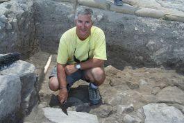 Eric Cline bij een opgraving - cc