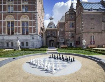 Buitenschaakbord in de Rijksmuseumtuin - Foto: Olivier Middendorp / Rijksmuseum