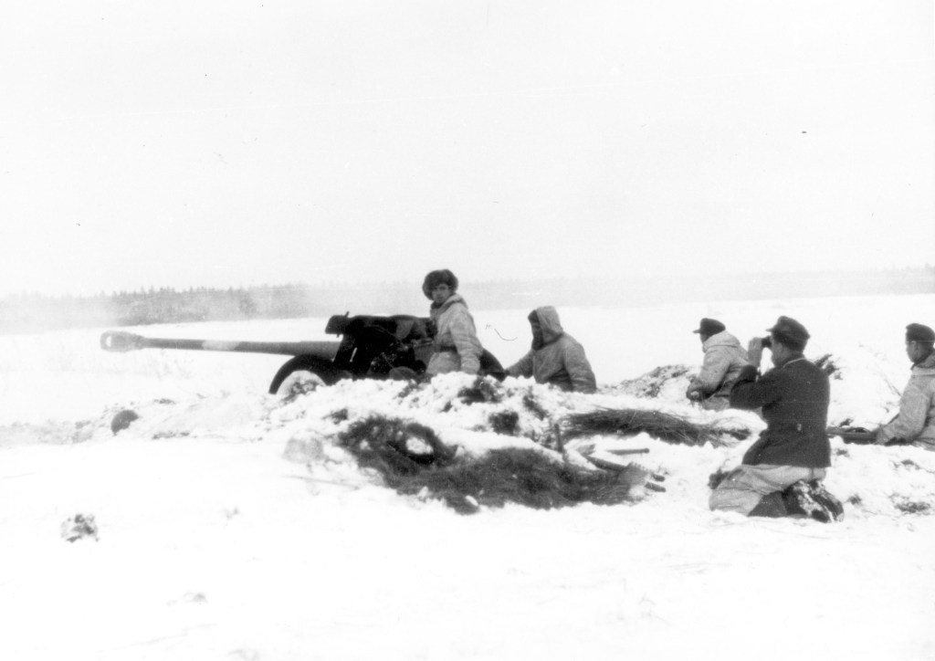 In de sneeuw met 7,5 cm Pak in Rusland. Bundesarchiv, nr. 101I-690-0201-28. Foto: Kripgans  januari-februari 1944