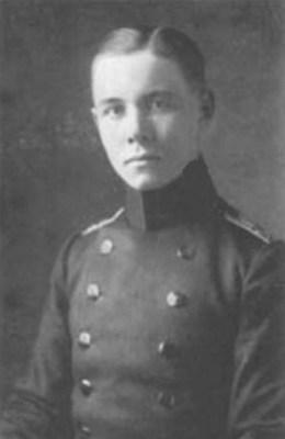 Erwin Rommel omstreeks 1910, als jonge cadet. Bron: imagehost.epier.com