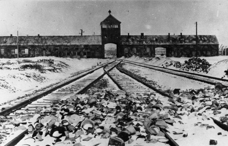 Auschwitz 1945. Bron: Bundesarchiv, Bild 175-04413