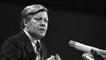 Helmut Schmidt in 1976 (cc - Bundesarchiv)