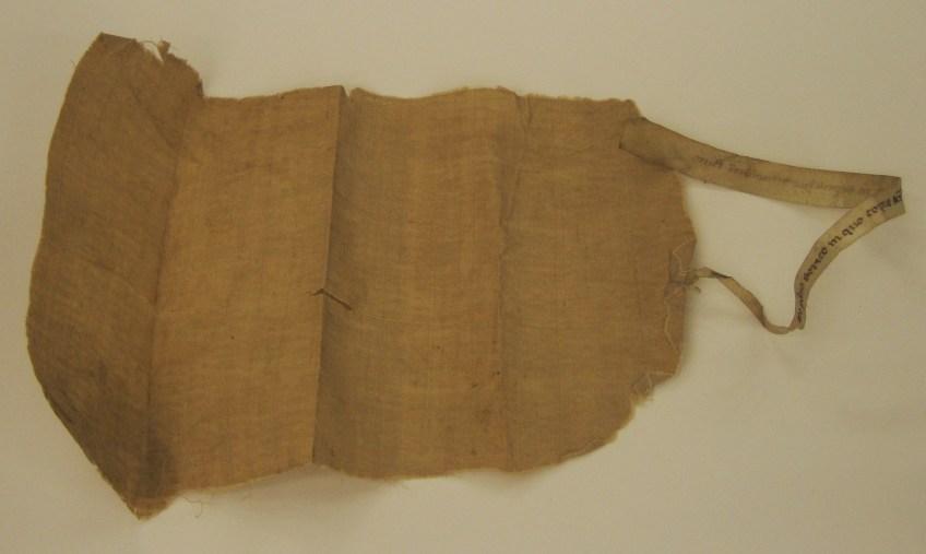Reliek van de lijkwade van Willibrord, bewaard in Museum Catharijneconvent, Utrecht