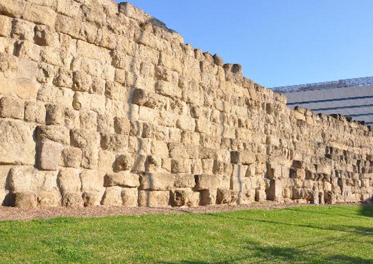De stadsmuur van Rome, die Hannibal weerstond en die Sulla dwong een veldslag te leveren.