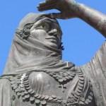Monument voor Bouboulina in de haven van Spetses - cc
