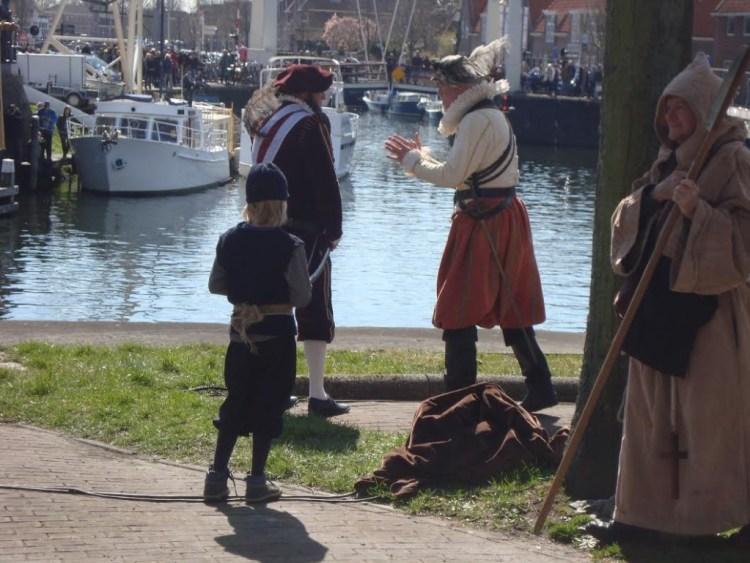 Bloys van Treslong en Lumey overleggen. (Edwin Ruis)
