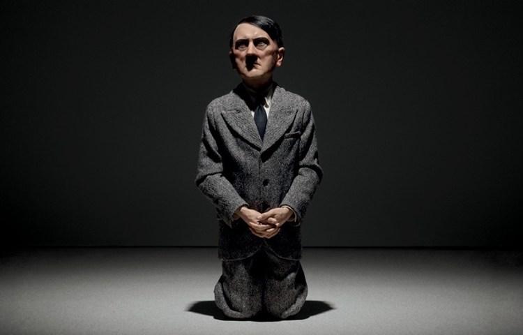 15 miljoen euro voor knielend Hitler