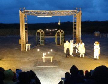 Foto van toneelstuk Figaro (Oerol/Terschelling) - Paul Prillevitz