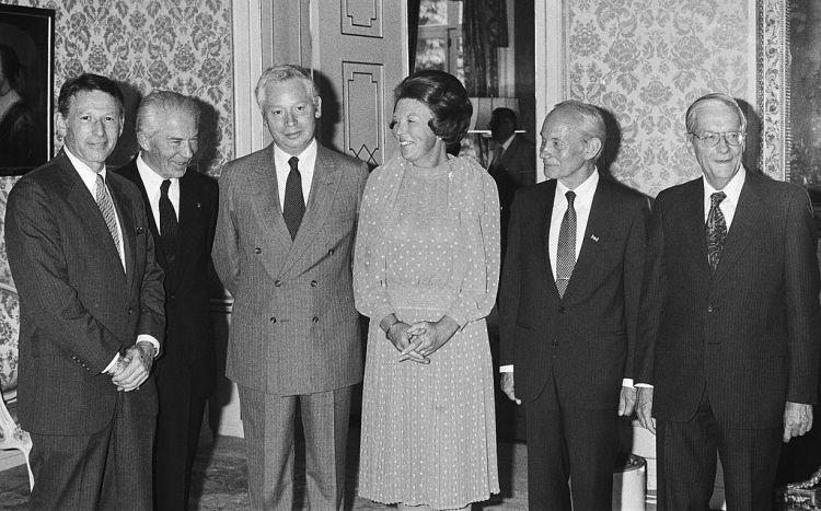 Beatrix ontvangt 5 Nobelprijswinnaars (1983): Paul Berg, Christian de Duve, Steven Weinberg, Manfred Eigen & Nico Bloembergen