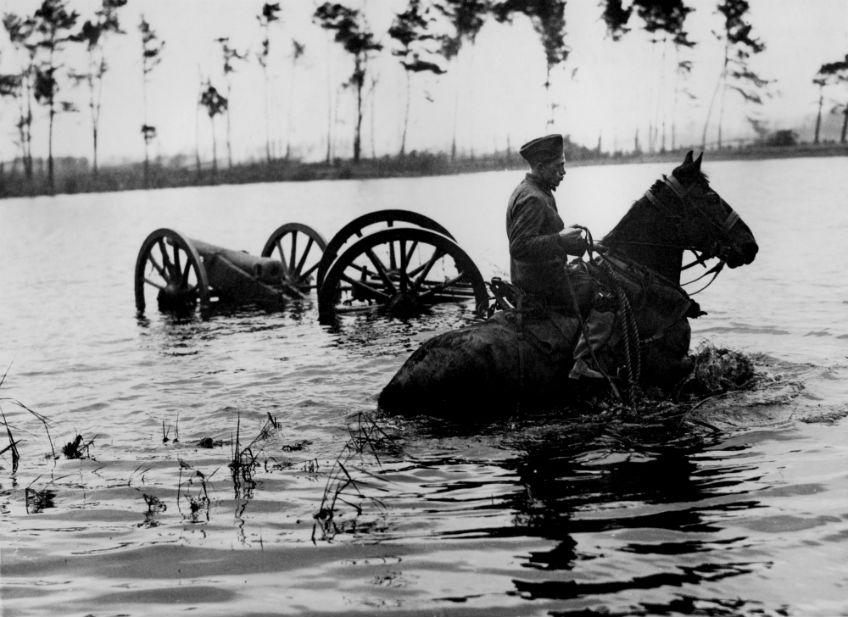 Oefening met de Hollandse waterlinie (1939)