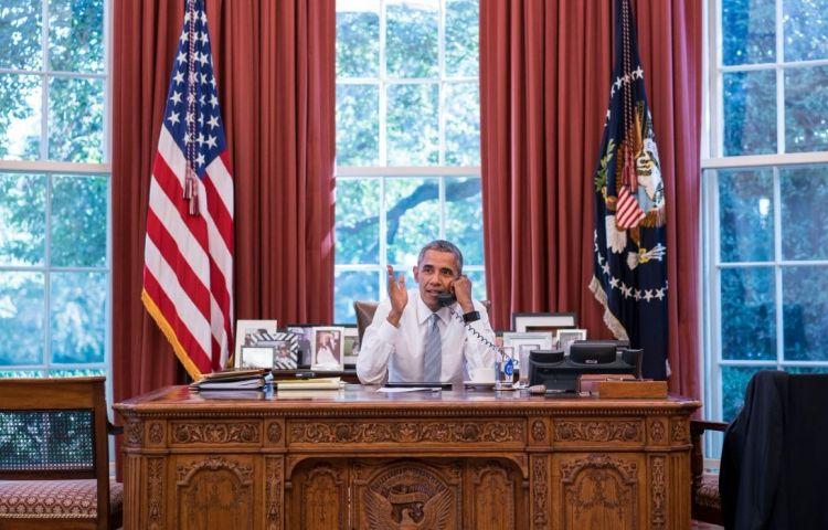 Barack Obama in zijn Oval Office - cc