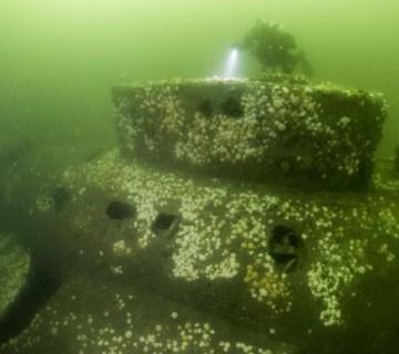 Wrak van de Engelse onderzeeër, die op 7 maart 1916 ten noorden van Schiermonnikoog verdween. © Duik de Noordzee Schoon, Cor Kuyvenhoven.