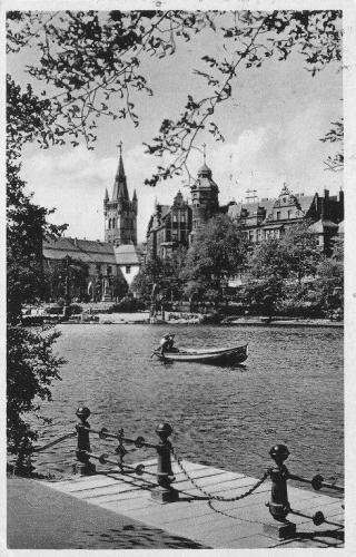 Koningsbergen, de vijver rond het kasteel. Bron: öffentliche, staatliche Zeitschrift - cc
