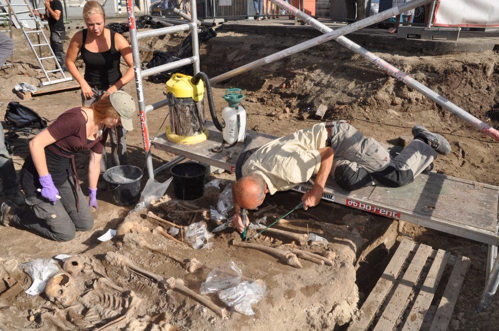 Foto Hollandia Archeologen