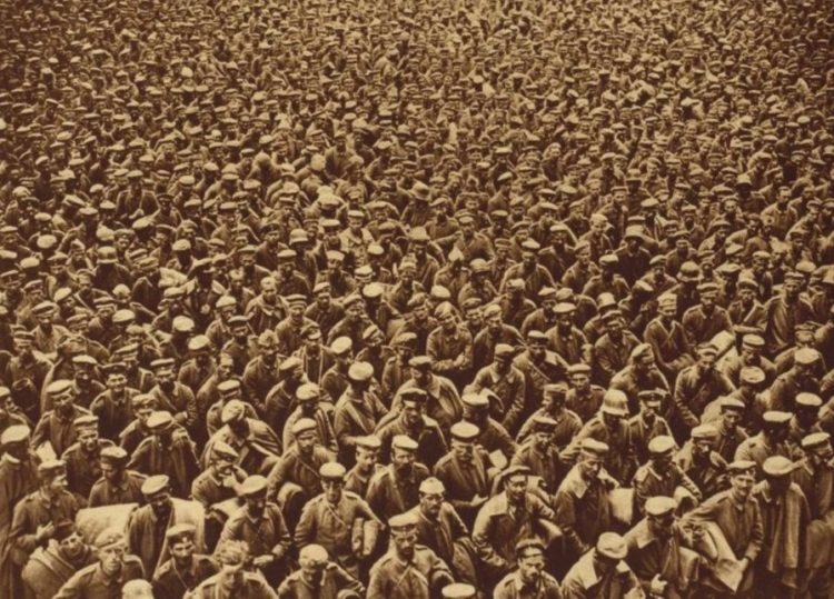 Duitse krijgsgevangenen na de Slag bij Amiens (1918) - IWM