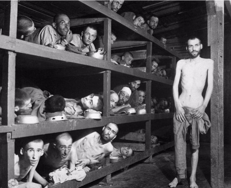 Gevangenen in Buchenwald, 16 April 1945 National Archives Washington / Publiek domein