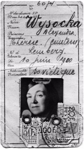 Een identiteitsbewijs van Alexandra Wysocka uit 1949 waarop staat dat ze de Sovjetnationaliteit heeft. Bron: De moeder van Ramses