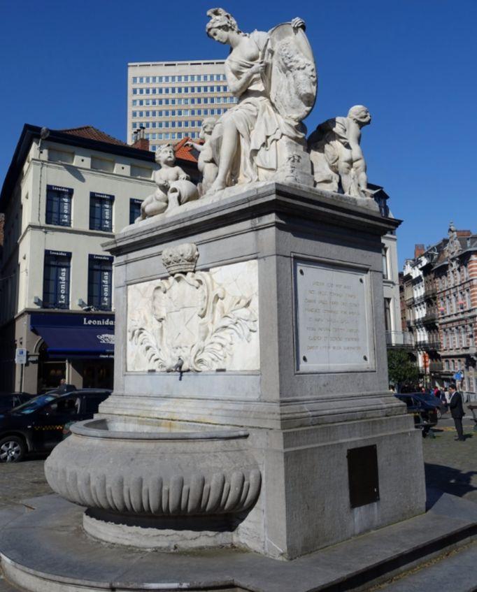 Minerva-fontein – Brussel, Belgium (cc – Daderot)