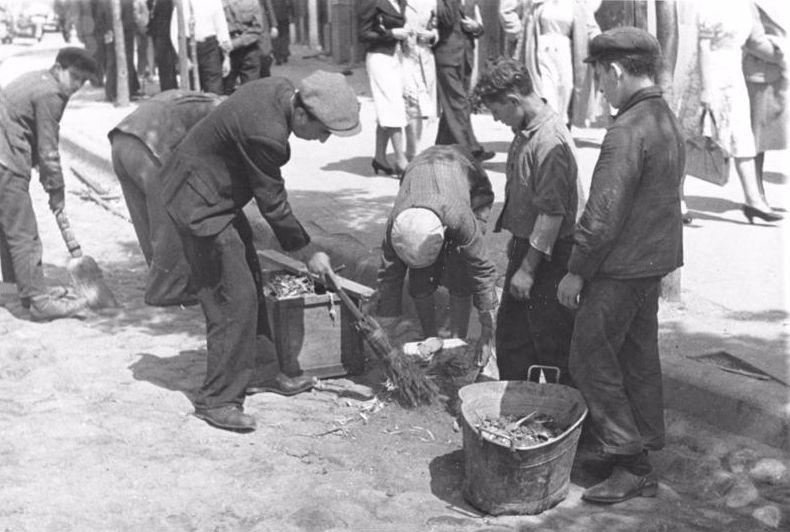 Joden in het getto (cc - Bundesarchiv)