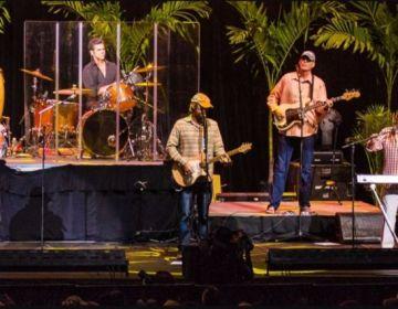 The Beach Boys tijdens een optreden in 2014 (cc - Peter Chiapperino)