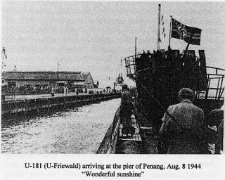 U-181 bij aankomst in Penang