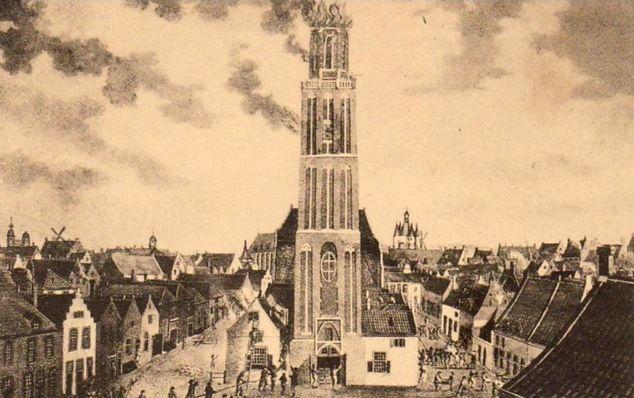 Een deel van de toren werd in 1815 door brand verwoest