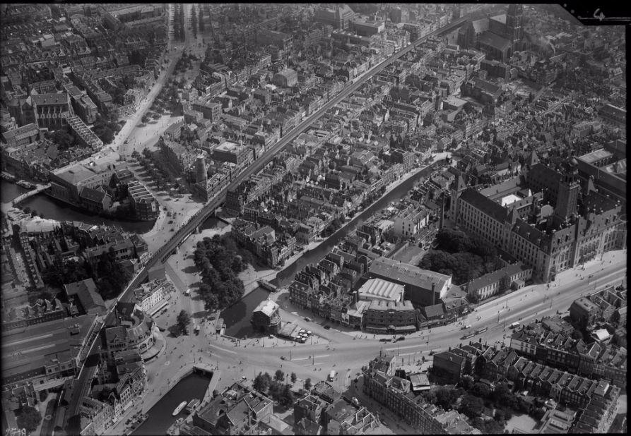 Luchtfoto van Rotterdam (NIMH)