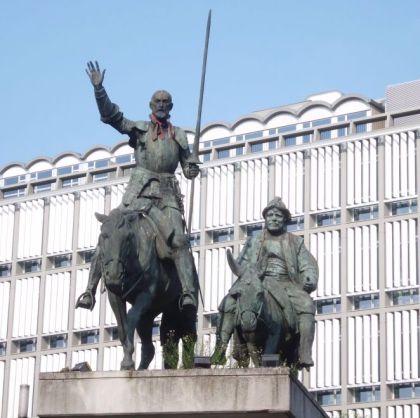 Beeld van Don Quichote op het Spanjeplein in Brussel - cc