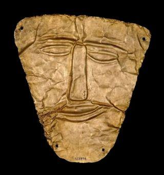 Partisch dodenmasker van goud van bewoners uit de 2e eeuw na.Chr., lang na de verwoesting; gevonden in Ninevé.