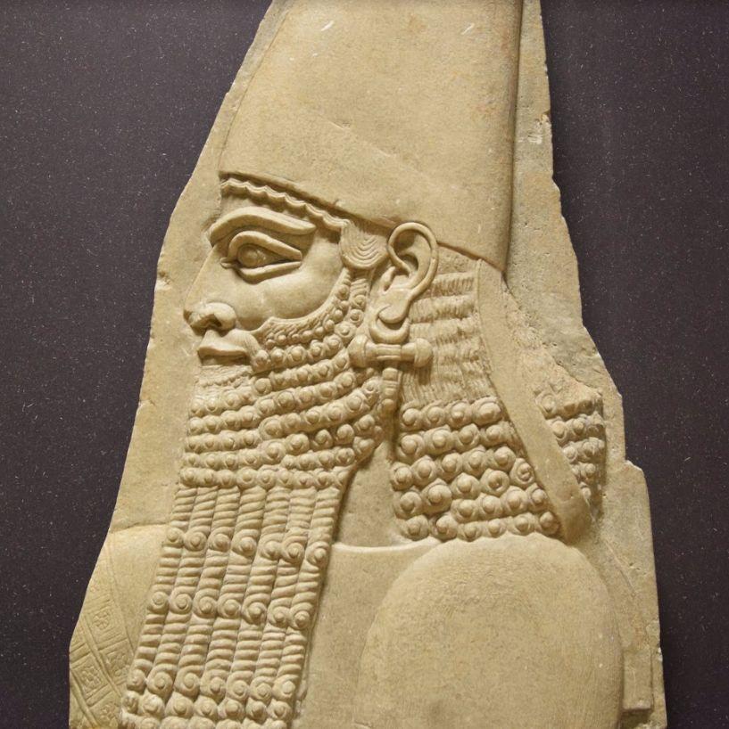 Koning Sargon II, vader van de stichter van Ninevé als hoofdstad van Assyrië. ©  Archeologisch museum Turijn.